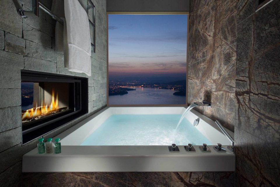 Buergenstock-Hotel-panoramic-bathtub-1200x800